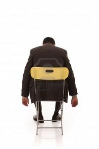 Je sais faire dans Poésie Homme-sur-chaise-ennui-Je-sais-faire-Le-Marginal-Magnifique-stage-professionnel-200x300